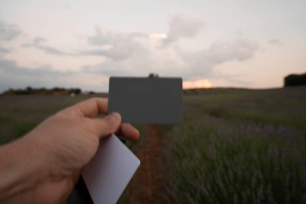 balance de blancos con tarjeta gris neutro